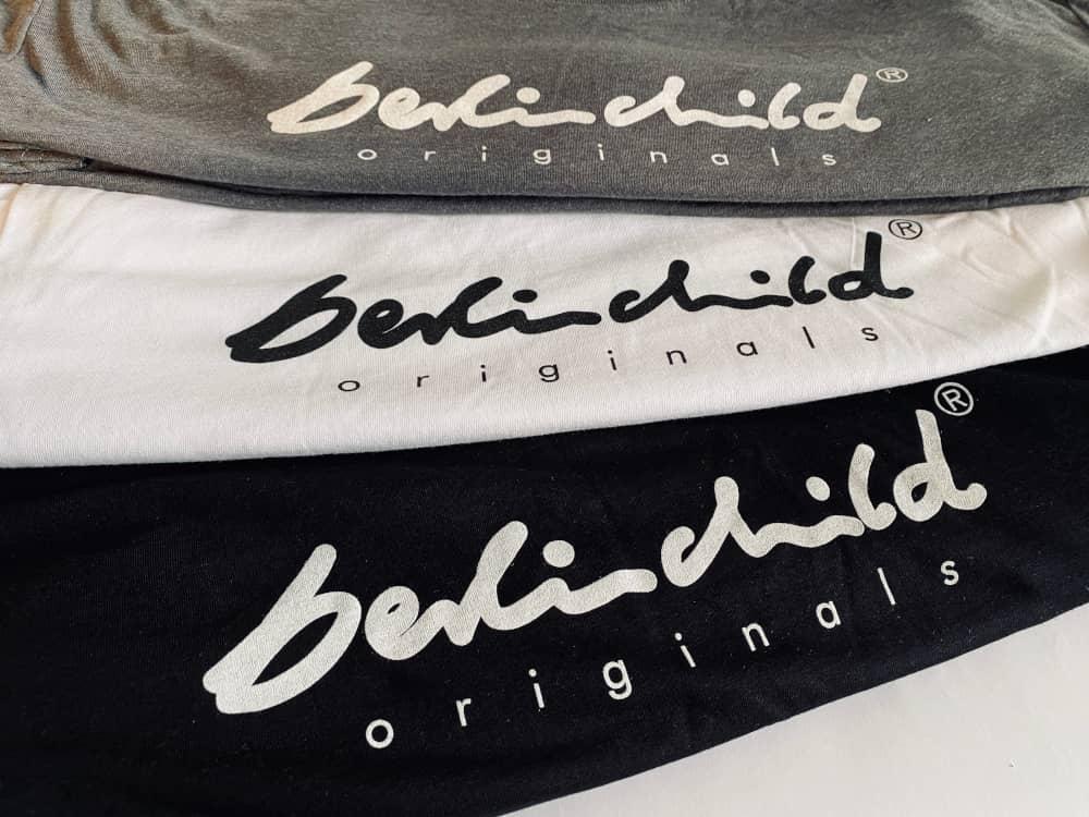 Graues, weißes und schwarzes berlinchild T-Shirt